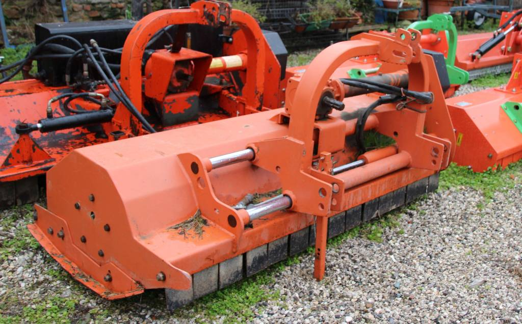 Usato macchine agricole antonio magnagna for Vigolo macchine agricole
