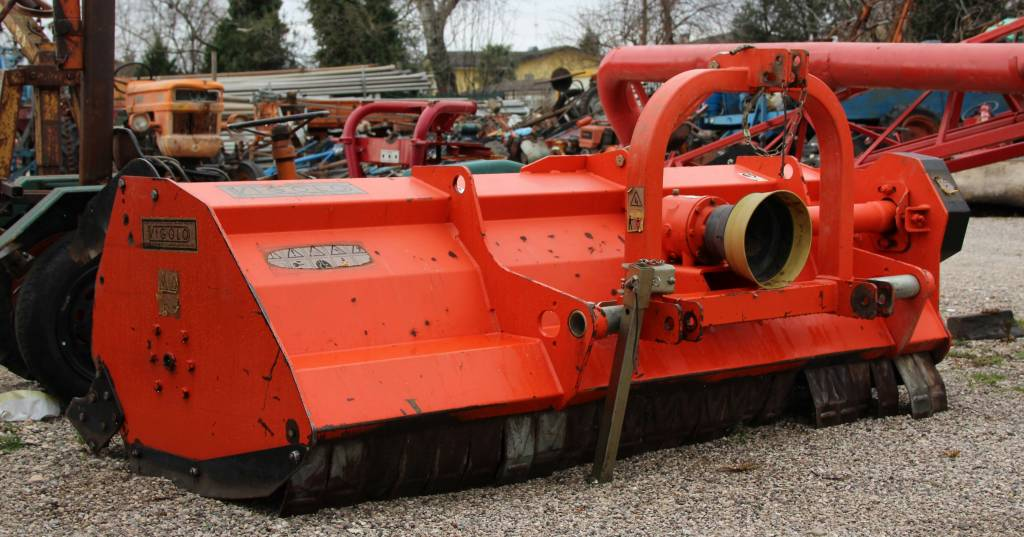 Trincia macchine agricole antonio magnagna for Vigolo macchine agricole